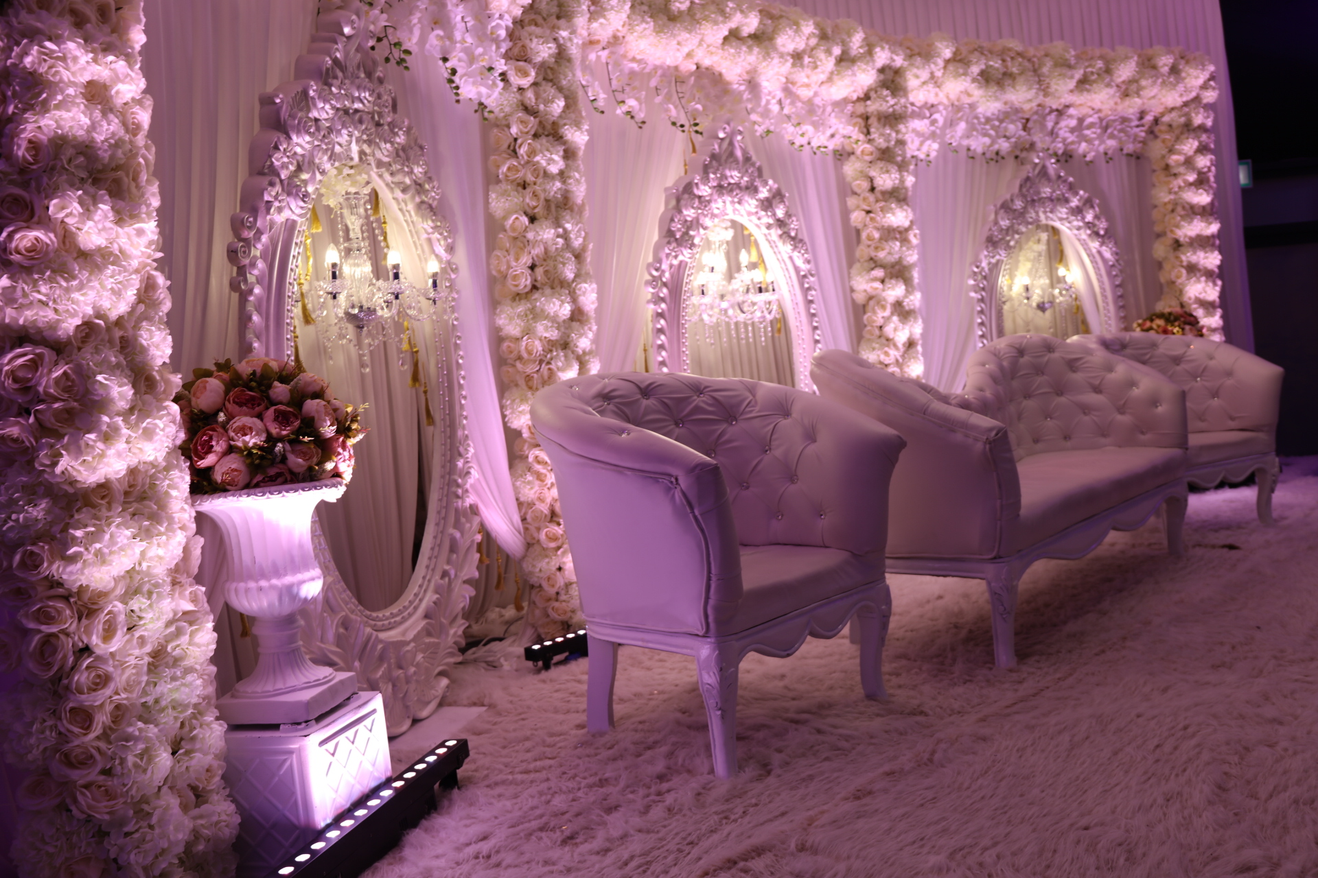 Wedding décor trends that will rule this summer! Bushey Country Club.